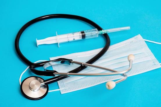 Okuženi zdravnik iz Metlike v stiku tudi s stanovalci doma starejših občanov