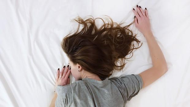 Nespečnost: zakaj ženske ne spijo (in kako si pomagati) (foto: Unsplash)