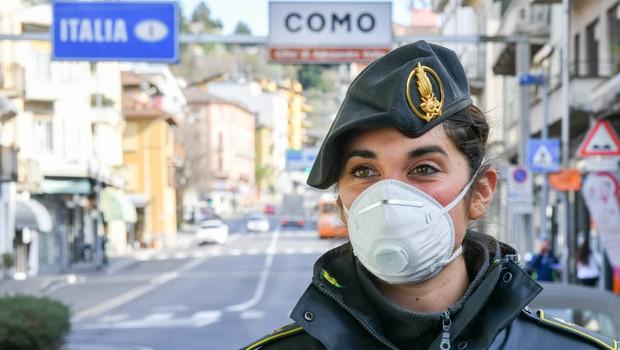 Slovenija bo po vzoru Avstrije zaprla mejo z Italijo za potniški promet (foto: profimedia)