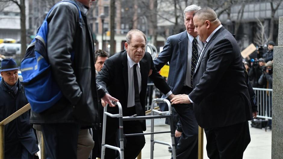 Newyorški sodnik je Harveyju Weinsteinu dosodil 23 let zapora (foto: profimedia)