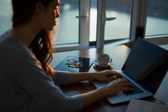 Delo na domu: prednosti, slabosti in dejstva, zakaj je to prihodnost številnih karier