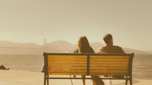Kaj storiti v odnosu, v katerem eden od partnerjev čuti, da ga drugi duši (piše: Alenka Lanz) (foto: Unsplash)