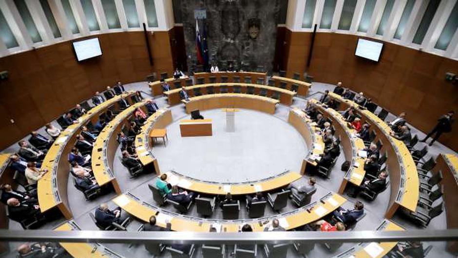 DZ potrdil ministrsko ekipo Janševe vlade (foto: Daniel Novakovič/STA)