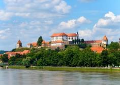 V Mariboru se je ustavil mestni potniški promet, na Ptuju zapirajo lokale
