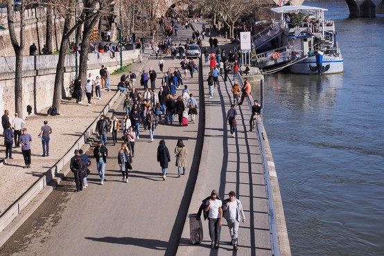 V Franciji se razmere poslabšujejo zelo hitro, sporočajo oblasti