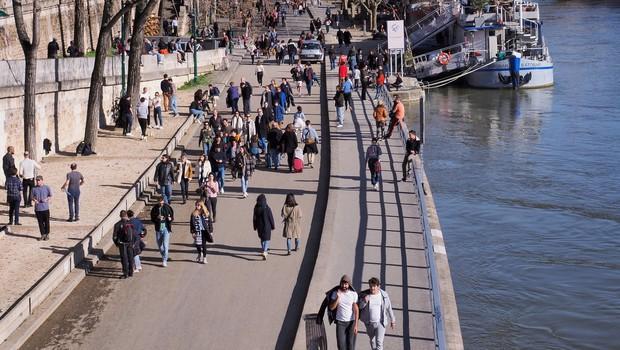 V Franciji se razmere poslabšujejo zelo hitro, sporočajo oblasti (foto: profimedia)