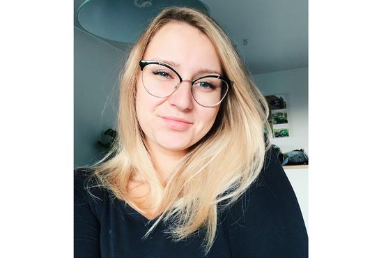 """22-letna Slovenka Tea iskreno o okužbi s koronavirusom: """"Oglašajo se mi tudi takšni, ki preživljajo isto"""""""