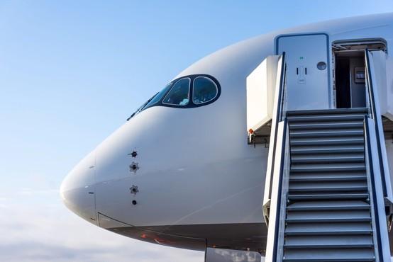 V tujini je konzularno pomoč pri vrnitvi v domovino poiskalo 90 Slovencev