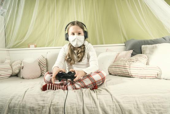 Da bodo otroci varni na internetu tudi med epidemijo koronavirusa
