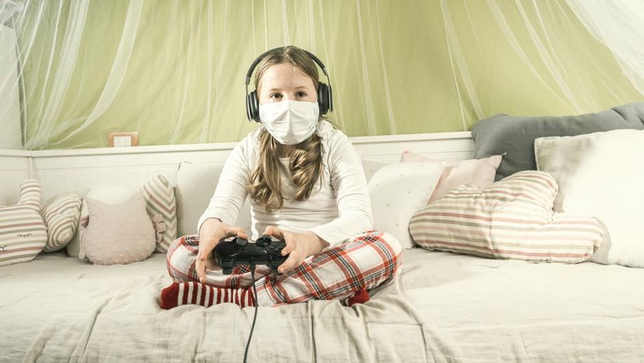 Da bodo otroci varni na internetu tudi med epidemijo koronavirusa (foto: profimedia)