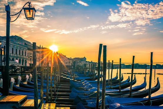 Stranski učinek karantene v Italiji: v Benetkah se v vodi vidijo ribe!