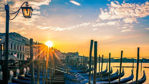 Stranski učinek karantene v Italiji: v Benetkah se v vodi vidijo ribe! (foto: profimedia)