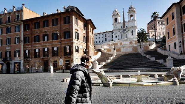 V Italiji največ umrlih zaradi koronavirusa doslej v enem dnevu (foto: profimedia)