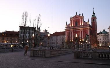Okužbo z novim koronavirusom potrdili pri 341 osebah v Sloveniji