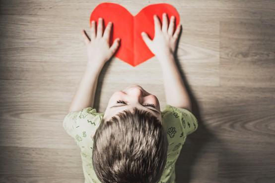 Kako prepoznati otrokovo senzibilnost in ga naučiti, da bo znal izkoristiti vse svoje darove