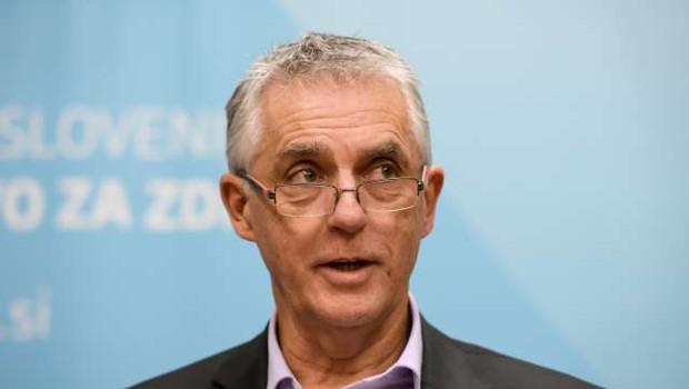 V Sloveniji beležimo drugo žrtev novega koronavirusa (foto: Nebojša Tejić/STA)