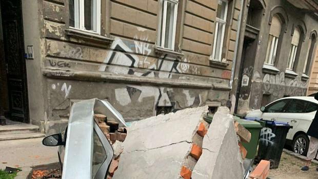 Po potresu v Zagrebu 15-letnica v kritičnem stanju, več poškodovanih (foto: Hina/STA)