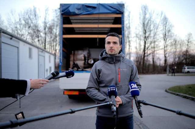 Odprema slovenske pomoči na Hrvaško za solidarno Evropo (foto: Daniel Novakovič/STA)