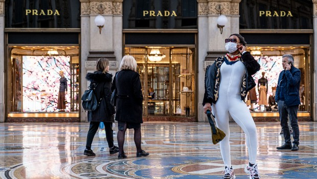 Italijanske modne hiše proizvajajo zaščitne maske (foto: profimedia)
