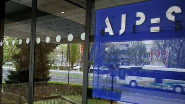 Podatki kažejo, da je marca zaprlo dejavnost več samostojnih podjetnikov (foto: STA/Nada Mihajlovič)