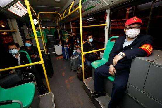 Hubei: v žarišču koronavirusa  po dveh mesecih odpravili stroge omejitve