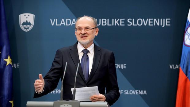 V prihodnje bodo vsi Slovenci, ki se bodo vrnili z žariščnih območjih, napoteni v karanteno (foto: STA/Daniel Novakovič)