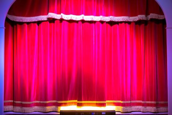 Šahid Nadim: Gledališče ima plemenito vlogo pri spodbujanju človeštva,  da se dvigne iz brezna