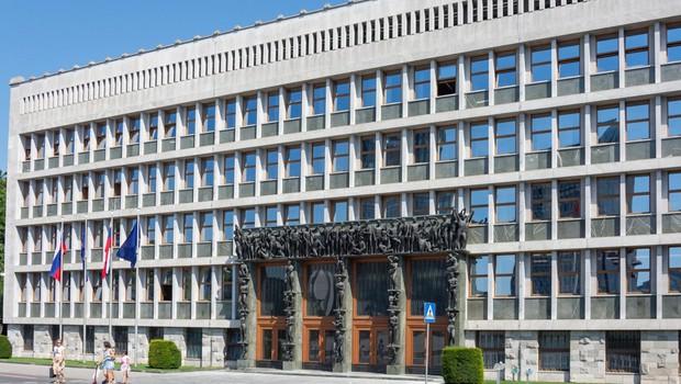Vlada potrdila predlog zakona o interventnih ukrepih (foto: profimedia)