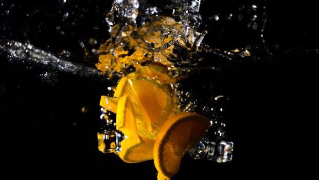 Pandemija koronavirusa občutno draži pomarančni sok (foto: profimedia)