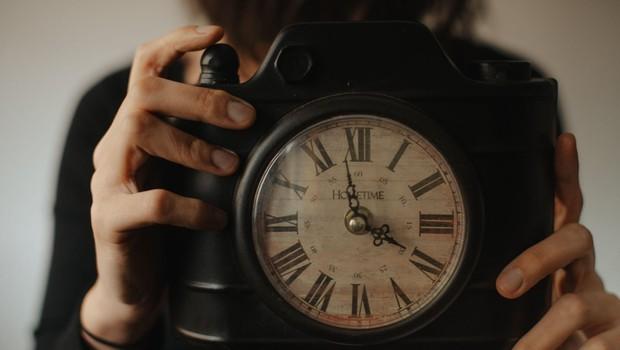 Noč (in spanec) bo krajša za eno uro (foto: profimedia)