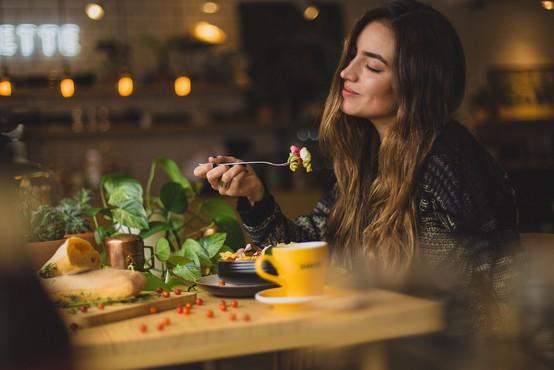Prehrana v karanteni: hrana, ki tolaži in pomirja (recepti)