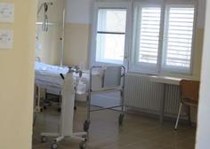 Število hospitaliziranih v slovenskih bolnišnicah spet rahlo naraslo