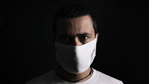 """Klinični psiholog Bojan Zalar: """"Samoizolacija lahko ima negativne psihološke posledice!"""" (foto: profimedia)"""