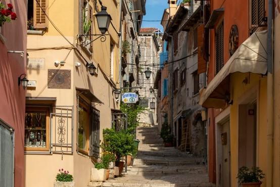 V hrvaški Istri pozvali slovenske državljane, naj se vrnejo domov