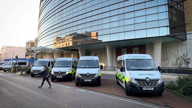 V Veliki Britaniji zaradi covida-19 umrl 13-letnik (foto: profimedia)