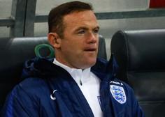Po Rooneyjevem mnenju je odnos do nogometašev sramoten