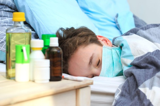 V ZDA potrebuje hospitalizacijo tudi do 20 odstotkov otrok