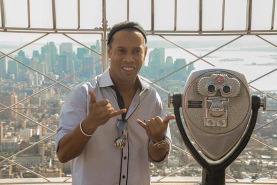 Ronaldinho plačal 1,47 milijona evrov za hišni pripor