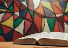 Mestna knjižnica Ljubljana omogoča izposojo študijskega gradiva po pošti