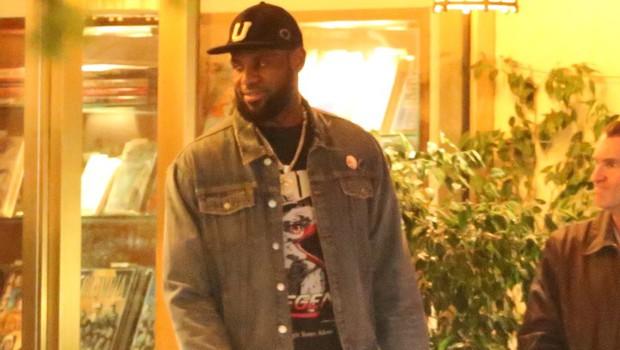 LeBron James si je premislil in bi košarkarsko prvenstvo končal s tekmami brez gledalcev (foto: profimedia)