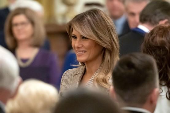Melania Trump razposlala 25 tisoč spominskih velikonočnih jajc