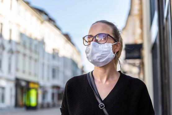 Trend števila okuženih s koronavirusom pri nas je ugoden