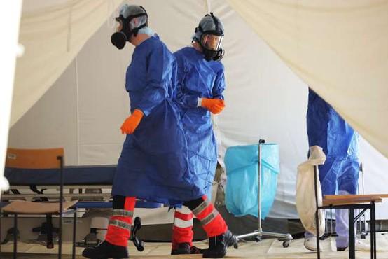 Med prazniki se je rast okužb v Sloveniji nekoliko umirila