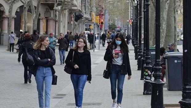 Več sto tisoč ljudi v Španiji se je vrnilo na delo (foto: Xinhua/STA)