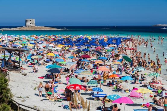 Domiselni Italijani s predlogi za reševanje počitnic na morju