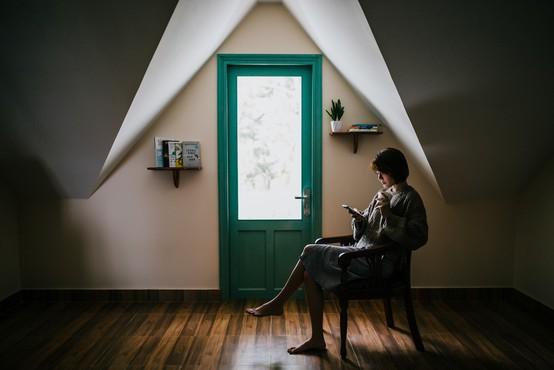 Strah pred samoto: kje so vzroki in kako si lahko pomagamo