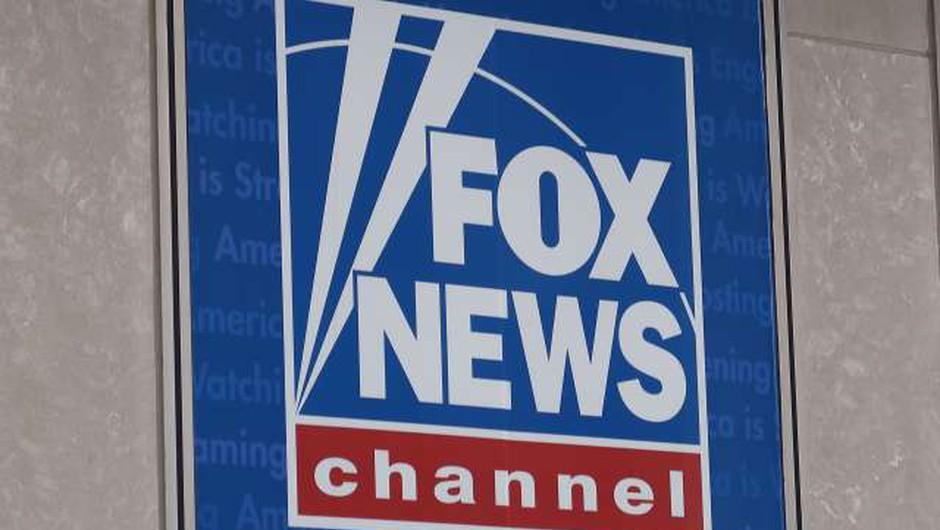 Televizijska hiša Fox News zavrača tožbo zaradi širjenja lažnih novic (foto: STA/Robi Poredoš)