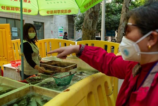 V Wuhanu ponovno prešteli žrtve koronavirusa in število zvišali za polovico