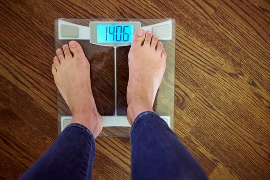 Kitajci so si med osamitvijo doma nabirali odvečne kilograme teže