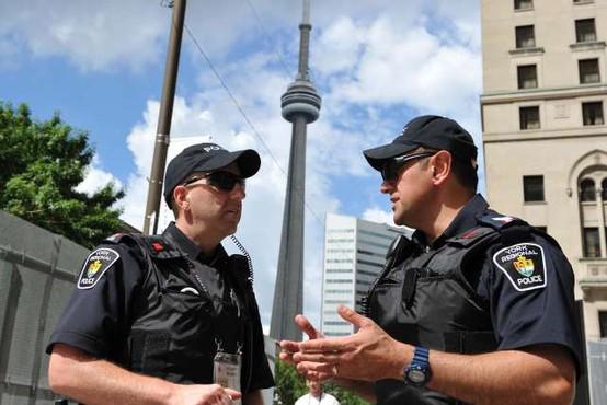 V bližini kanadskega Halifaxa strelec ubil najmanj 16 ljudi